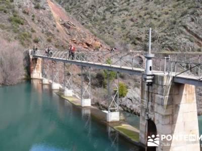 Travesía de senderismo desde El Atazar a Patones - Presa de La Parra; single madrid grupos